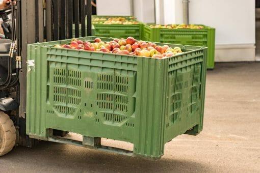 Les caisses palettes en plastique : optez pour une nouvelle organisation dans votre entrepôt !